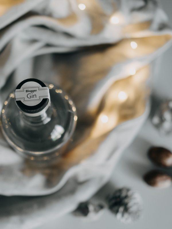 Contact Blogger Gin